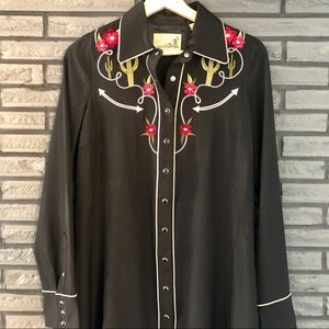 Embroidered Western Pearl Snap Shirt